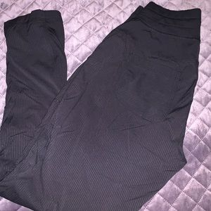 Lululemon Street to Studio Crop Size 6